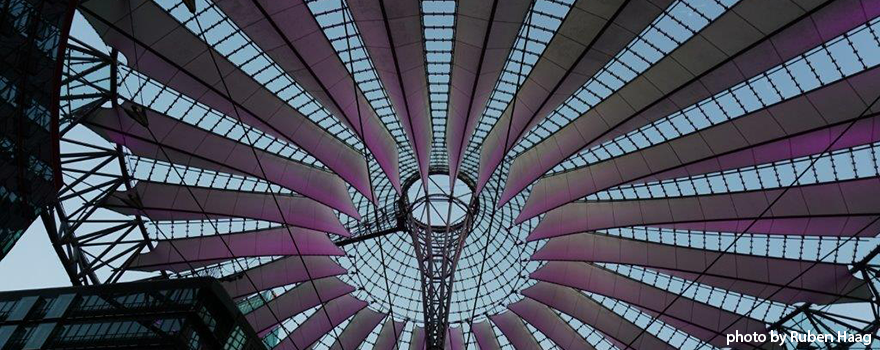 Sony-Center_880_350_real